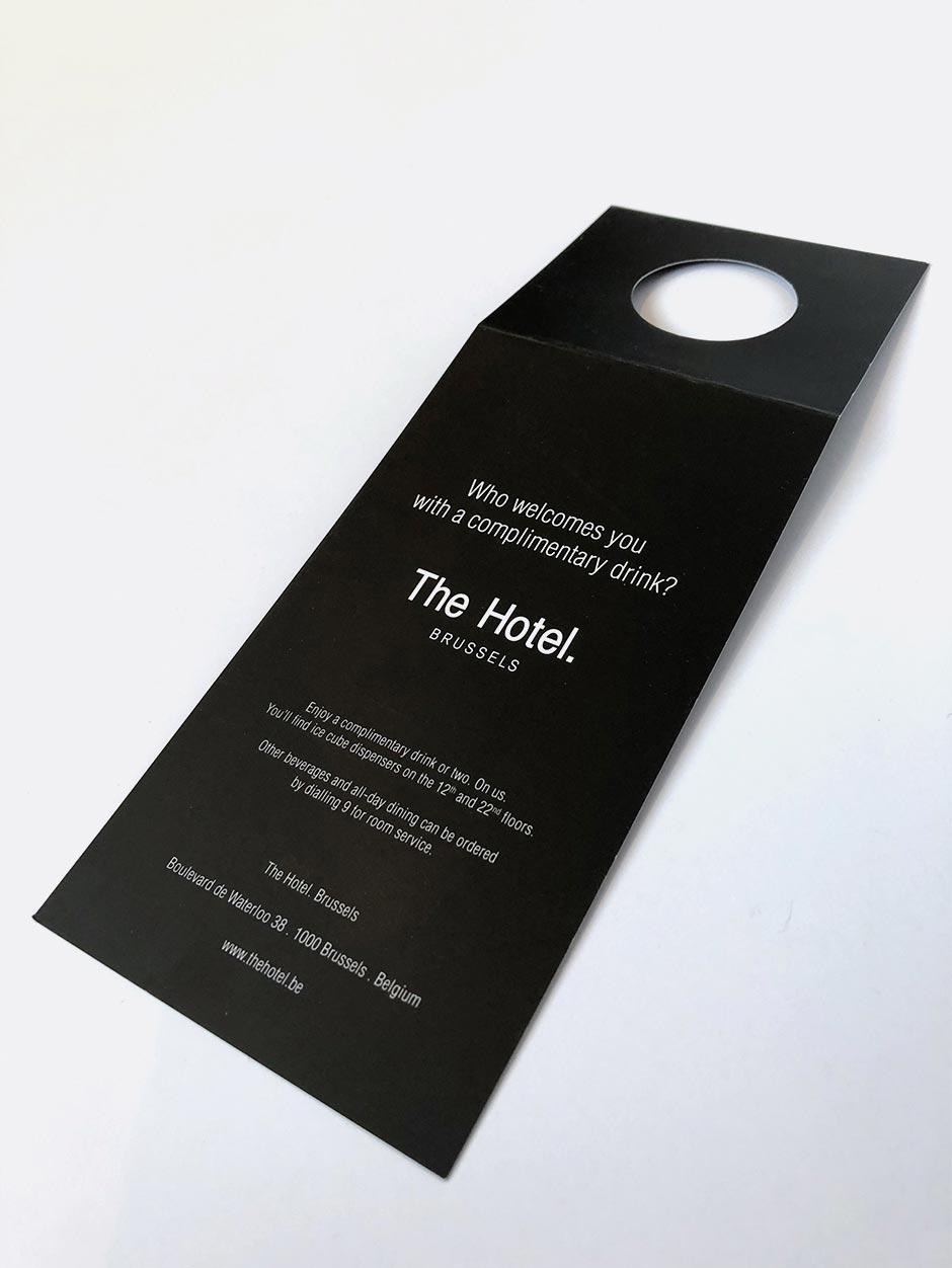 Identité, collerette à bouteille pour The Hotel