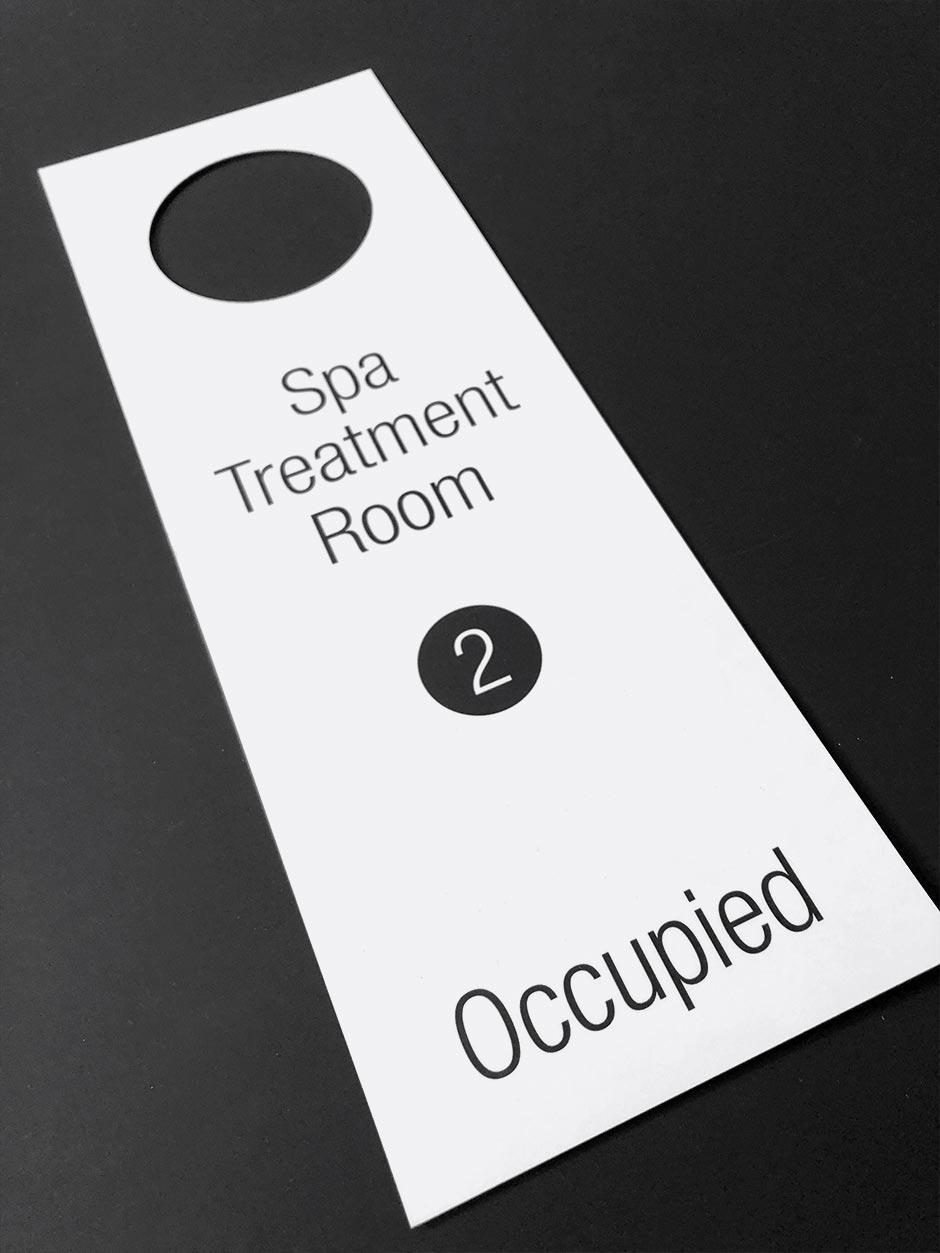 Identité, accroche-porte, salle de traitement, The Hotel