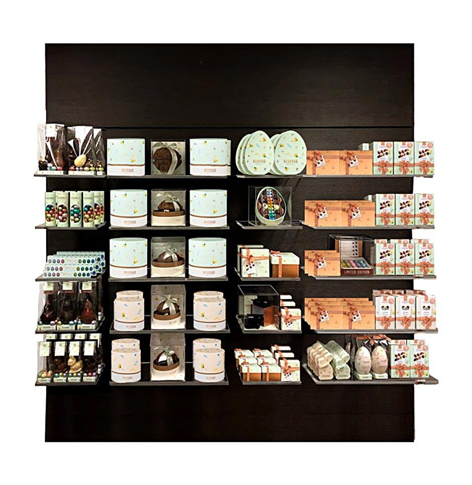 présentation de produits Neuhaus pour la collection printemps, emballages de Pâques