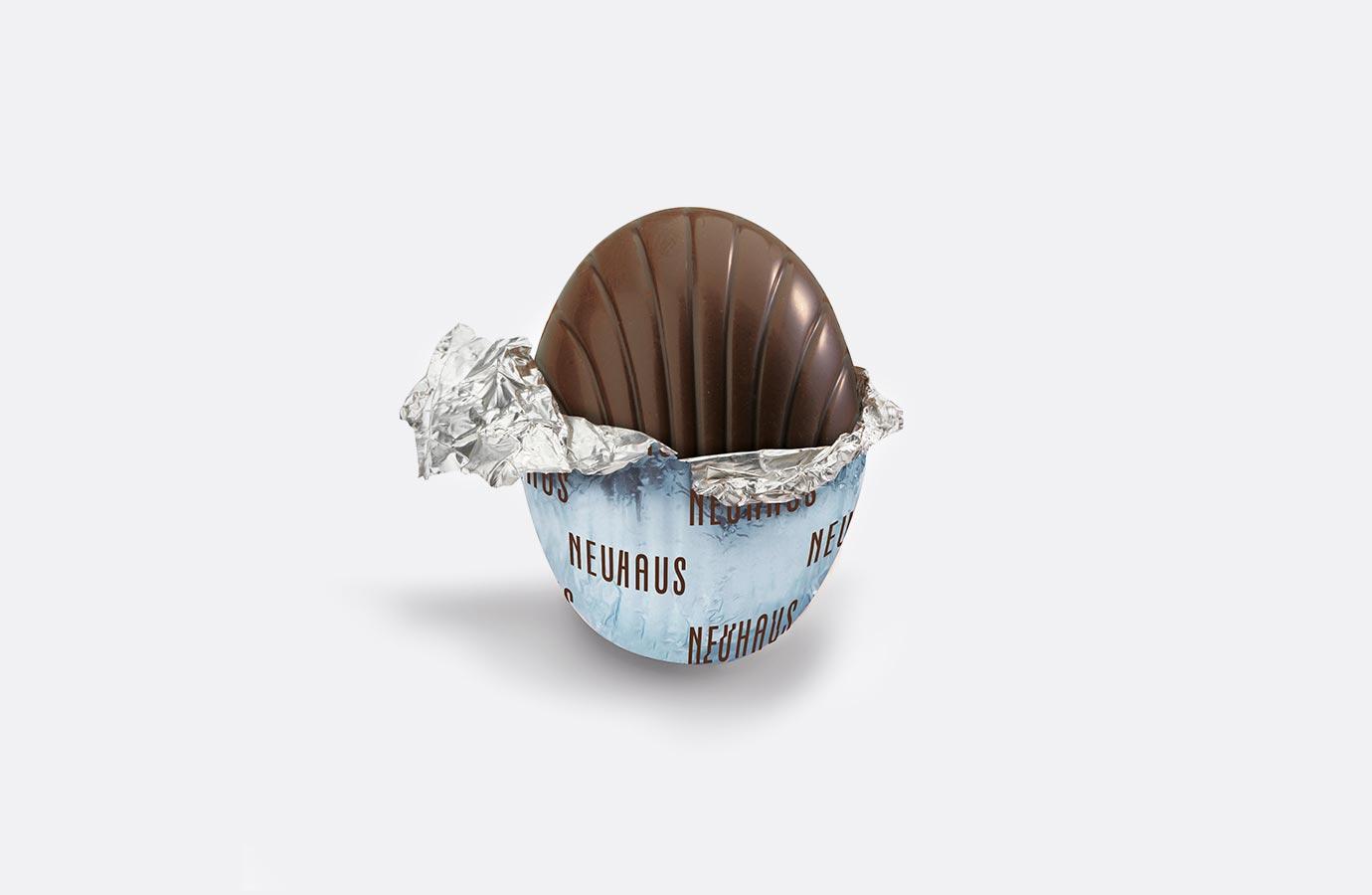 emballage aluminium pour oeufs de Pâques au chocolat noir de Neuhaus, collection printemps